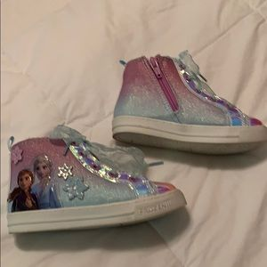 Gently used  frozen 2 high top tennis shoes sz 10